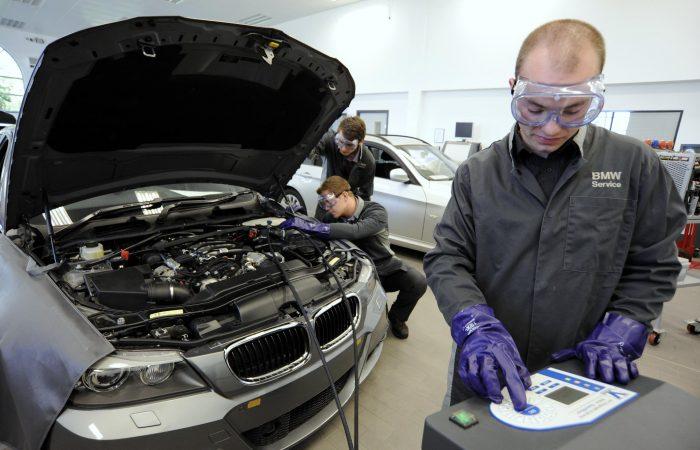 Сколько стоит обслуживание BMW?