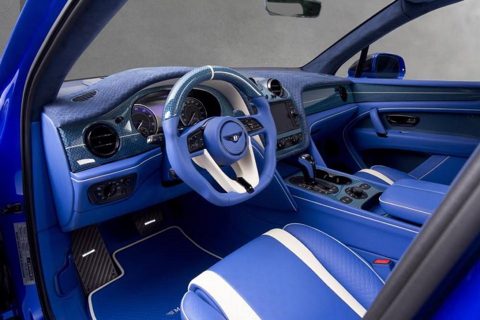 Тюнеры Mansory привезли в Женеву тюнинговый Bentley Bentayga Bleurion Edition