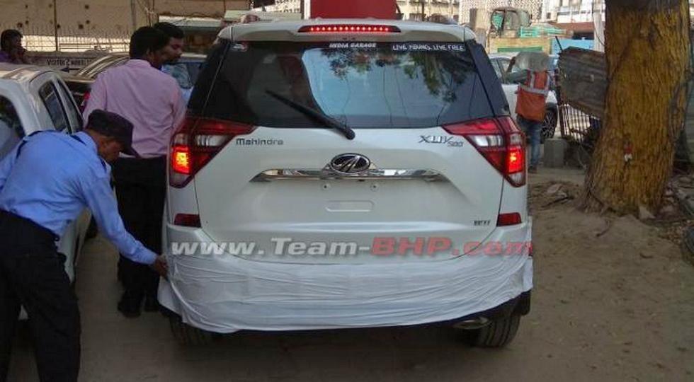 Обновлённый кроссовер Mahindra XUV500 рассекречен до премьеры