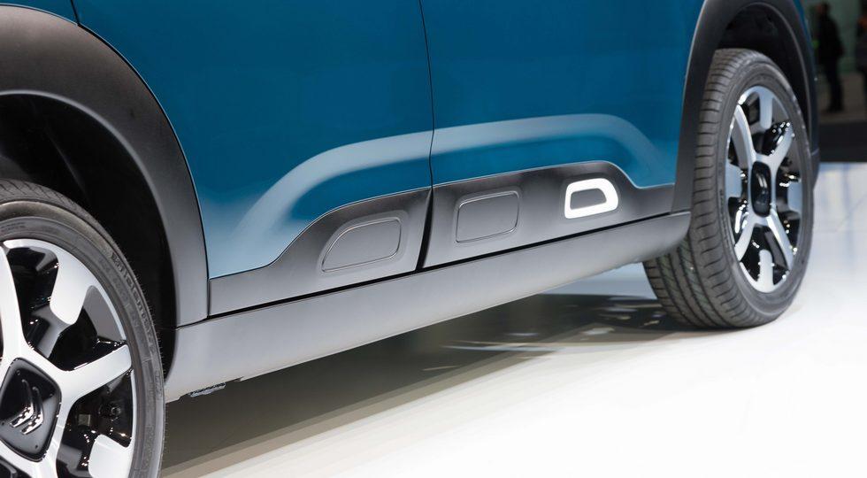 Citroen представил обновленный хэтчбек Citroen C4 Cactus 2018