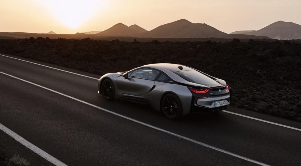 Новые BMW i8 Roadster и i8 Coupe представлены официально