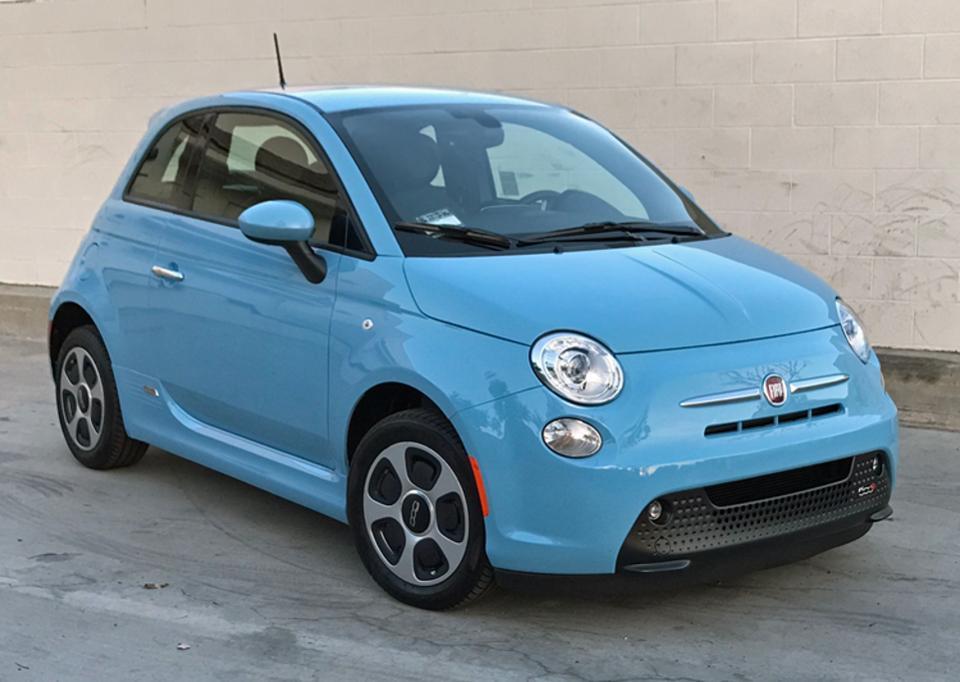 Концерн FCA теряет по $20 тыс на каждом электрическом Fiat 500