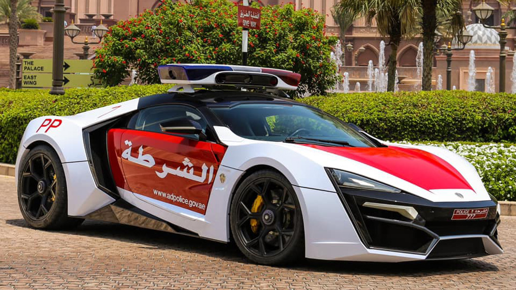 Гиперкар Lykan HyperSport поступил на службу в полицию Абу-Даби