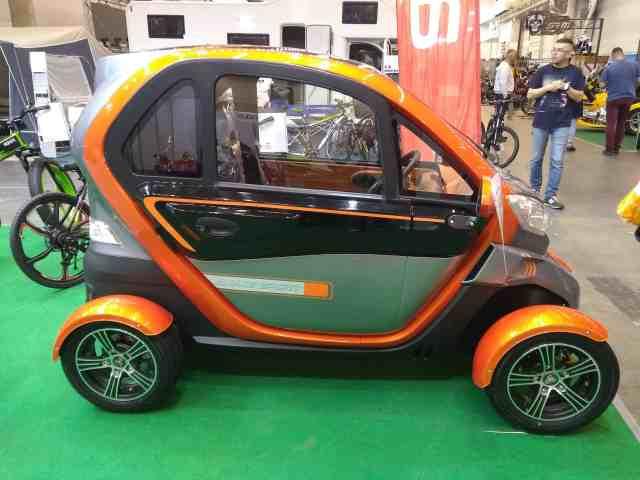 В Украине представлен маленький электромобиль за 5 500 долларов
