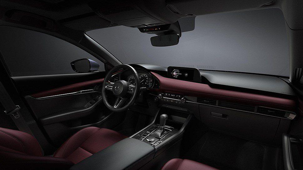 Новый седан Mazda 3 появится на российском авторынке в октябре