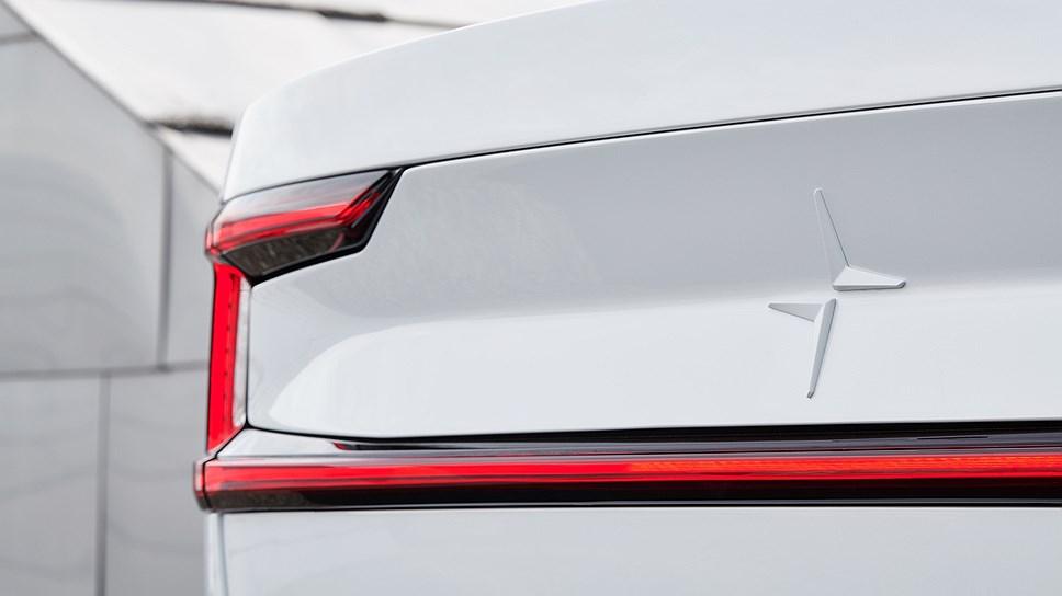 Polestar покажут электромобиль Polestar 2 в Женеве