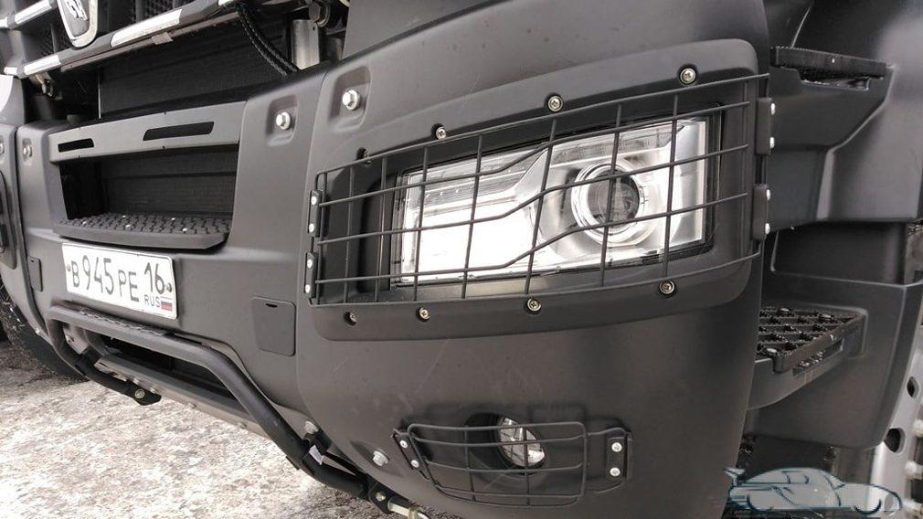 КамАЗ показал новый премиальный самосвал с кабиной от Mercedes