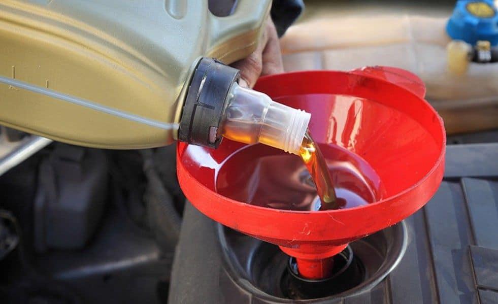 Как выбрать подходящее моторное масло?
