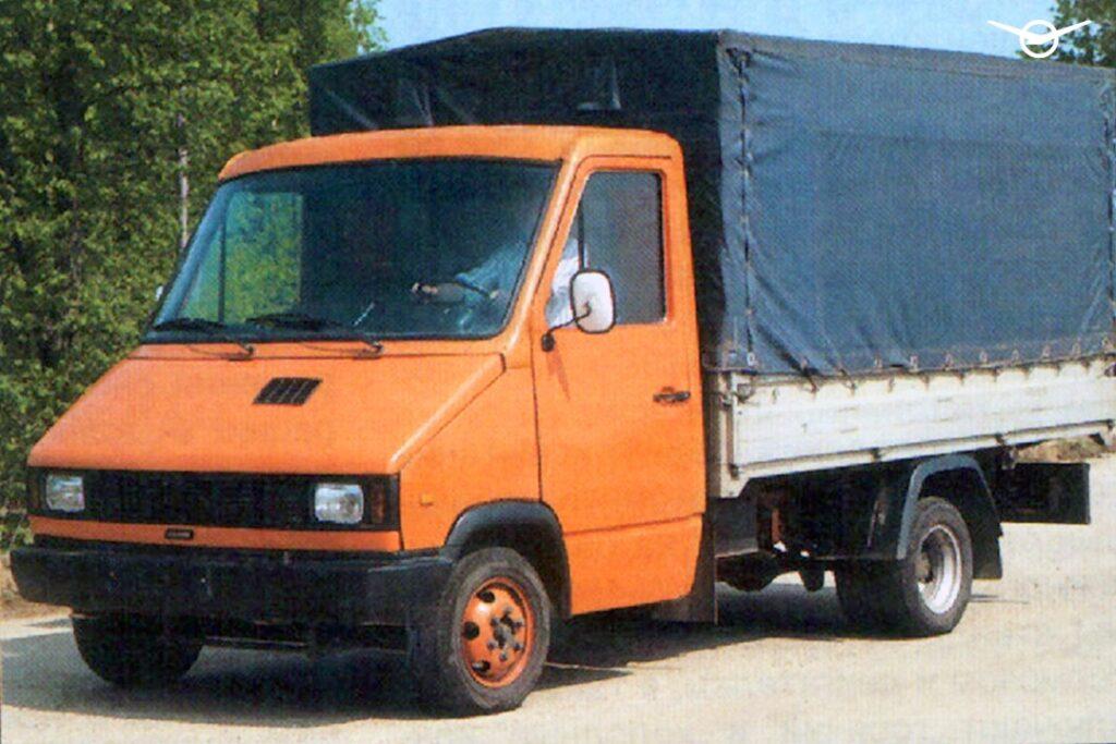 УАЗ вспомнил о «полуторке» УАЗ-3727