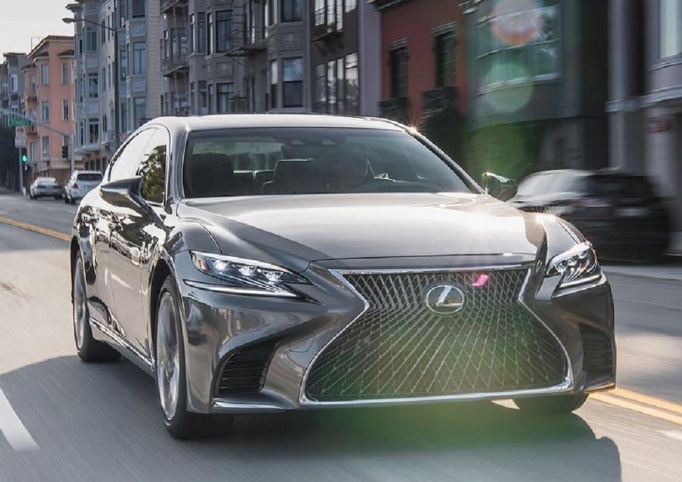 Представитель Lexus рассказал о новой версии гибридного Lexus LS