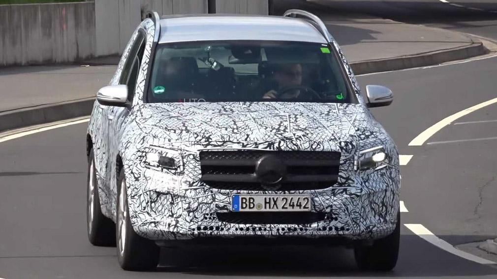 Mercedes-Benz вывел новый GLB на трассу Нюрбургринга