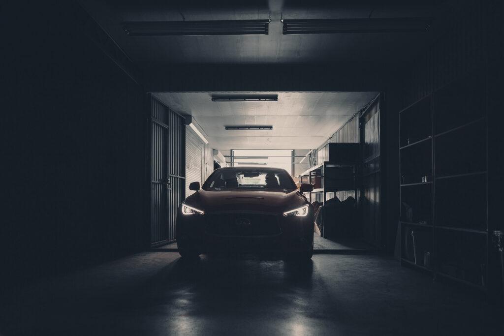 Новый седан Infiniti Q60 приехал к тюнерам ателье LARTE Design