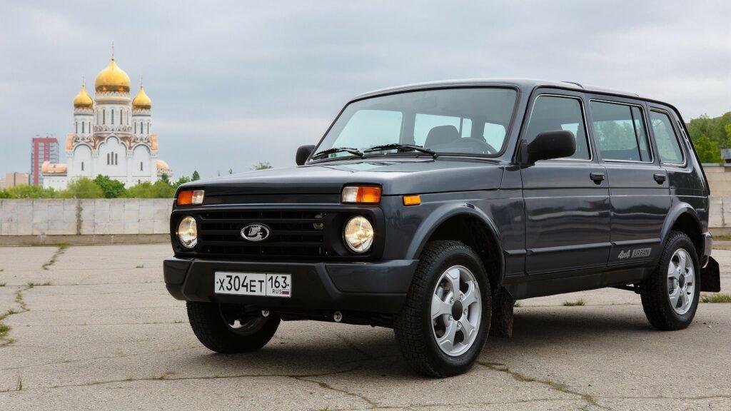Пятидверный внедорожник Lada 4x4 оценили в 1 миллион рублей