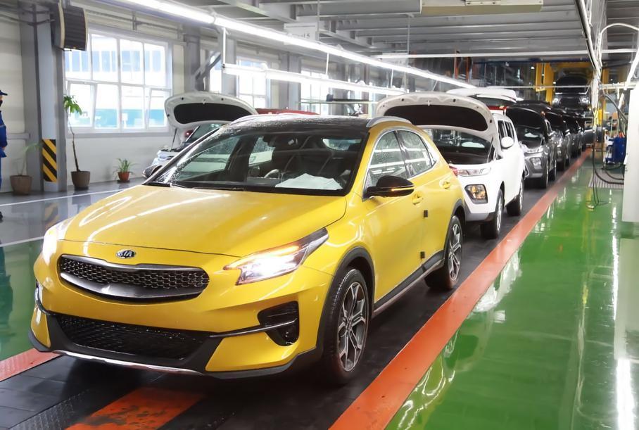 В РФ начали производство нового кроссовера Kia XCeed