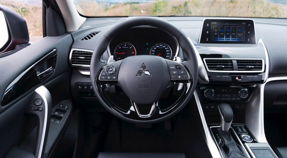 В России назвали цены на новый кроссовер Mitsubishi Eclipse Cross