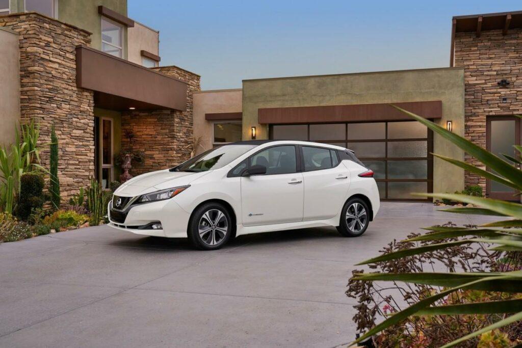 Новый Nissan Leaf 2018 пользуется ажиотажным спросом