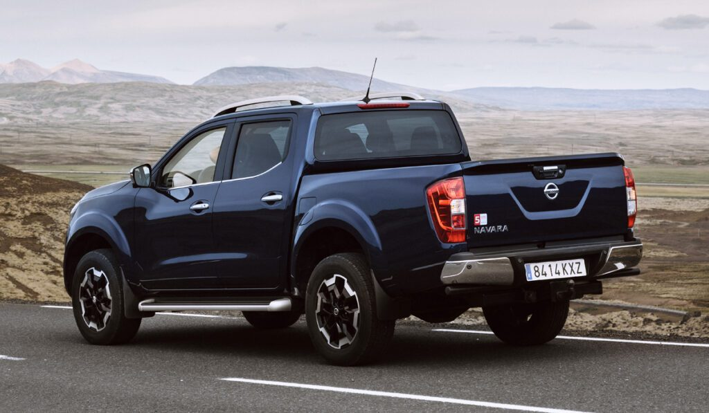 Nissan представил обновленную версию пикапа Navara