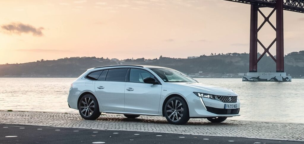 Универсал Peugeot 508 SW выходит на европейский рынок