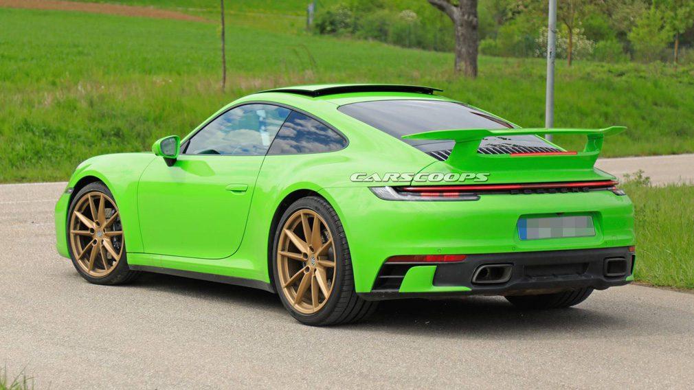 Porsche тестирует таинственный прототип Porsche 992