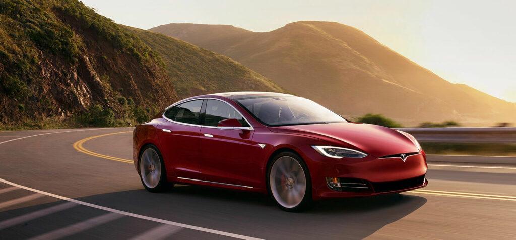 Эксперты составили топ-10 авто, которые хочется купить снова