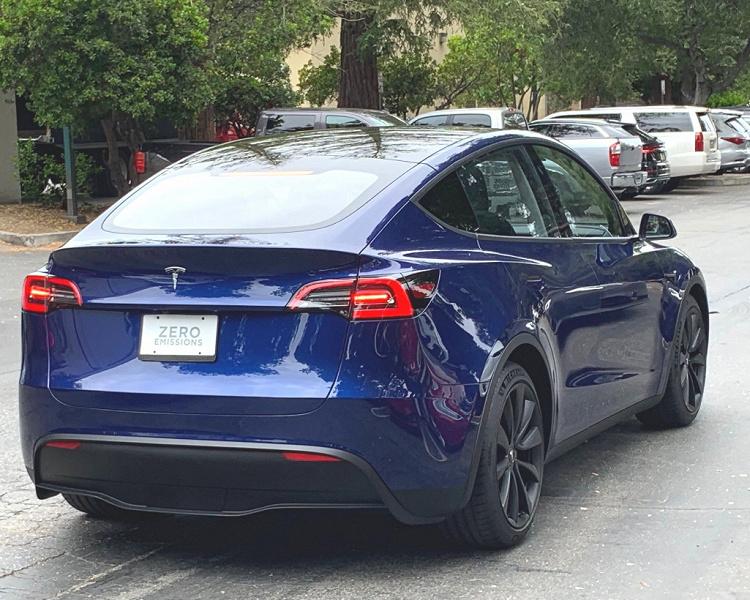Кроссовер Tesla Model Y тестируют на дорогах общего пользования