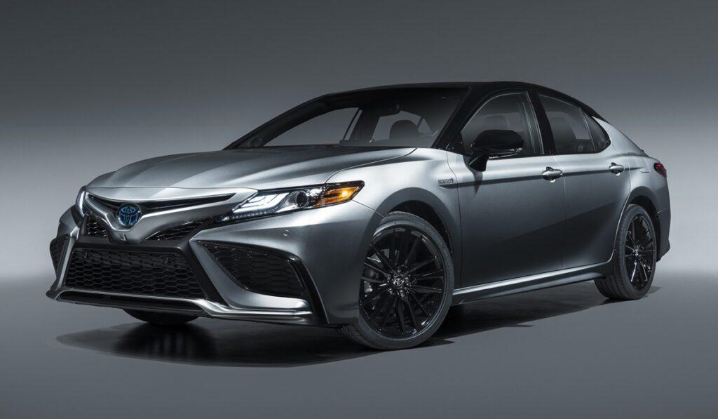Седан Toyota Camry обновился в Северной Америке