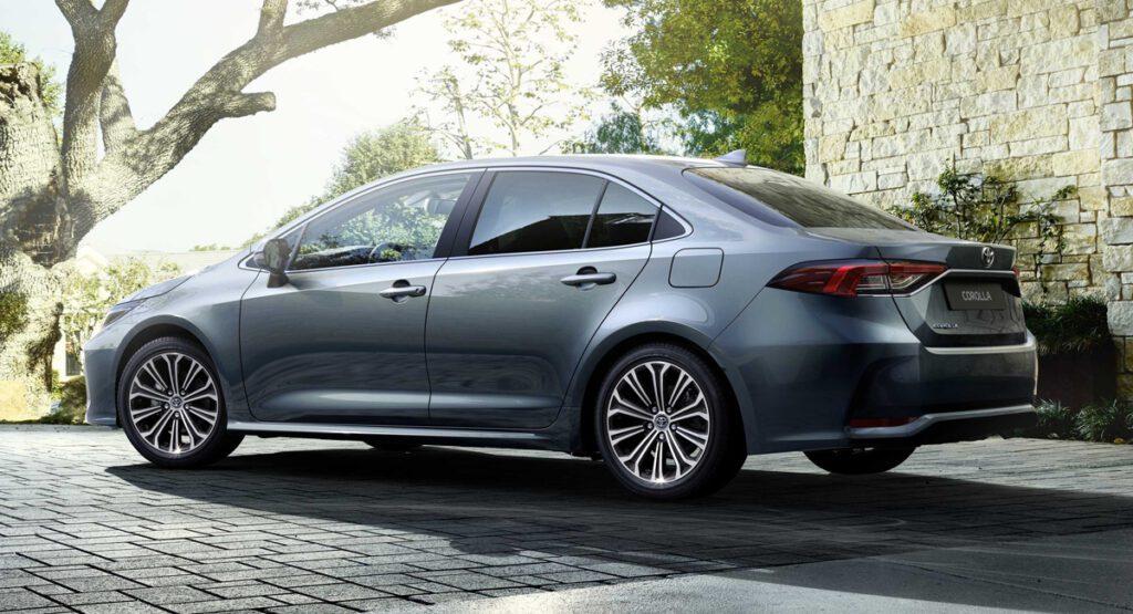 Новая Toyota Corolla стала доступна для заказа за 1 173 000 рублей