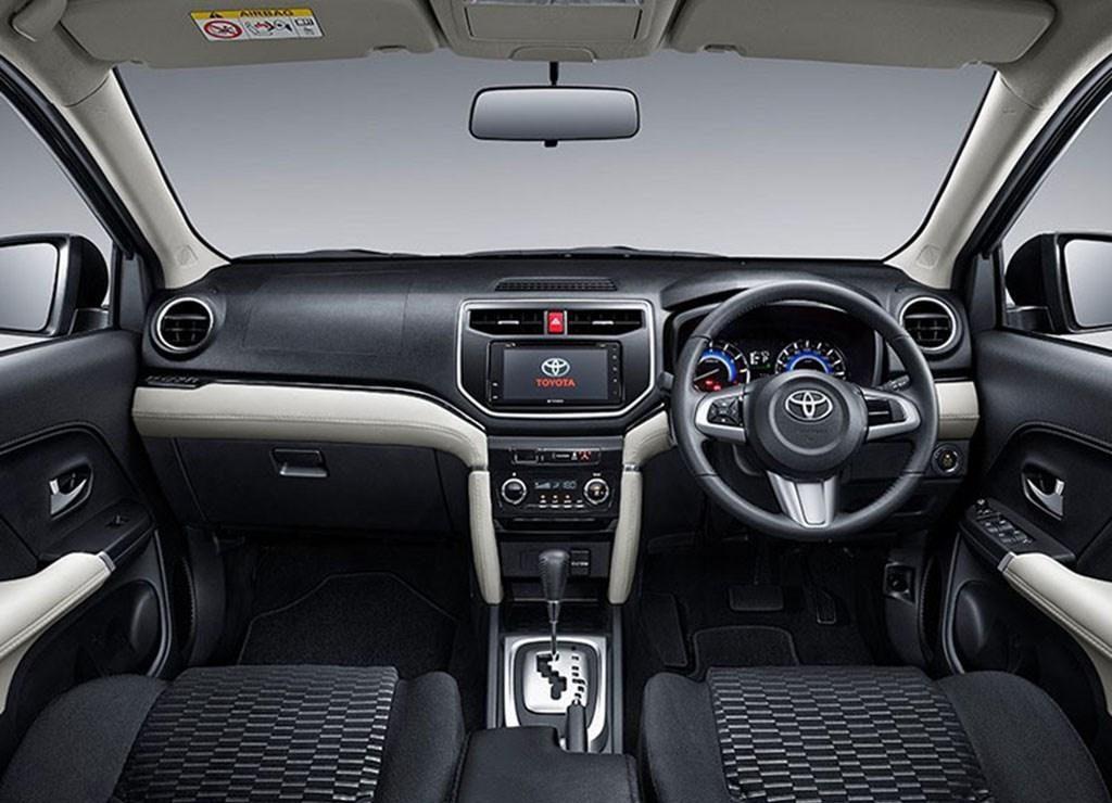 Новые кроссоверы Daihatsu Terios и Toyota Rush вызвали ажиотажный спрос