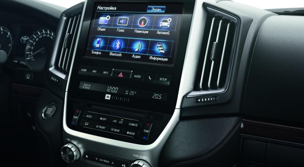 Toyota Land Cruiser 200 в России получил новую топовую комплектацию Excalibur
