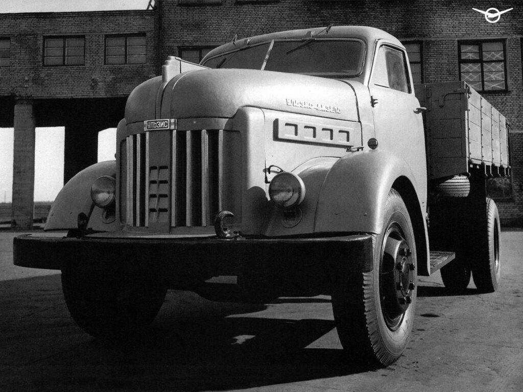 УАЗ в Сети напомнил про дизельный грузовик УАЗ
