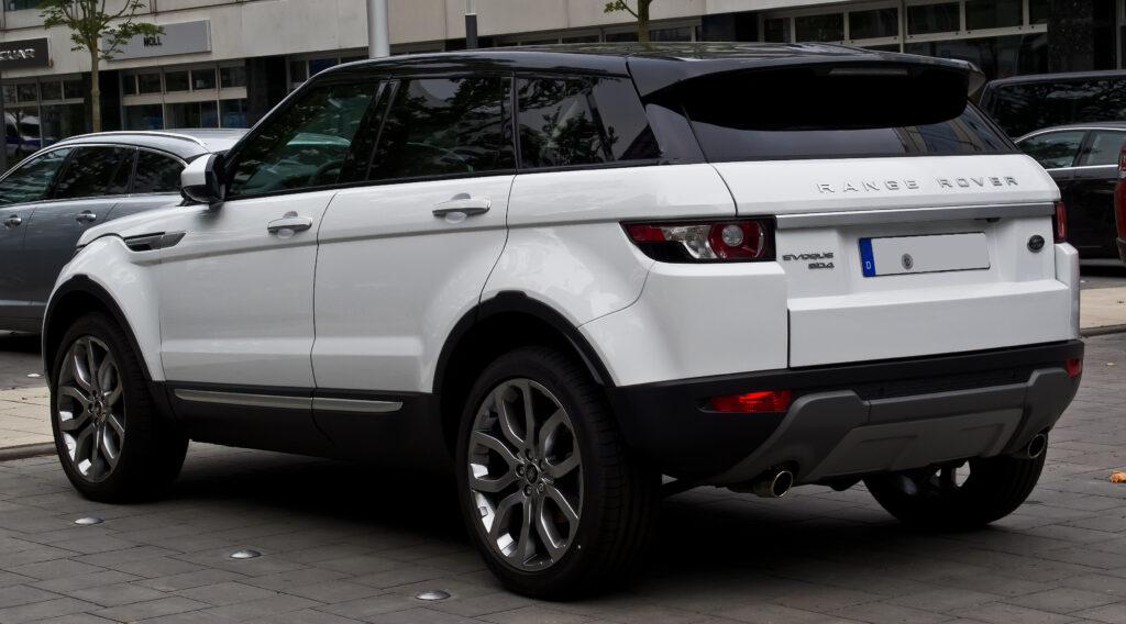 Осенью встолице франции дебютирует новый Range Rover Evoque