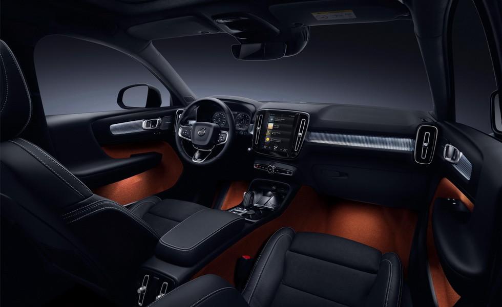 Новый кроссовер Volvo XC40 можно приобрести по подписке