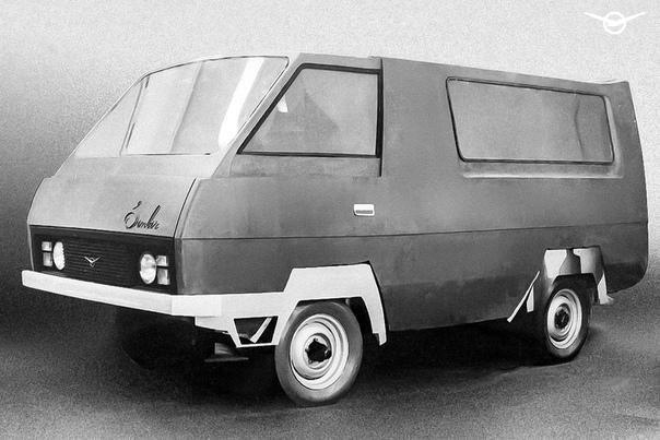 УАЗ затроллил Tesla 43-летним фургоном УАЗ-3770