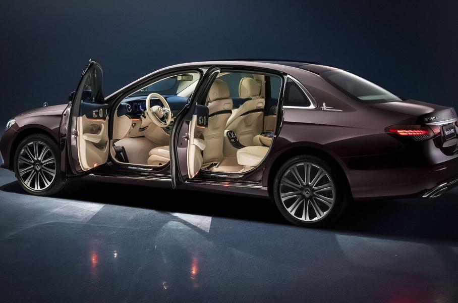 Mercedes-Benz представил длиннобазную версию седана E-Class 2021