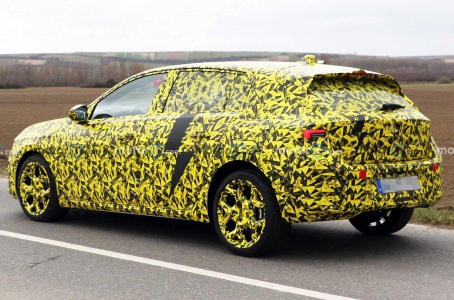 Опубликованы фотографии нового поколения хэтчбека Opel Astra 2022 года