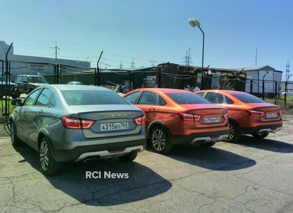 Первые товарные седаны LADA Vesta Cross приехали к дилерам