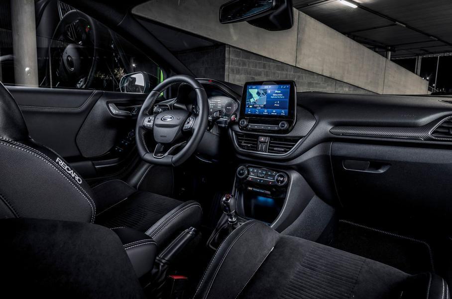 Ford представил «заряженную» модификацию кроссовера Puma ST