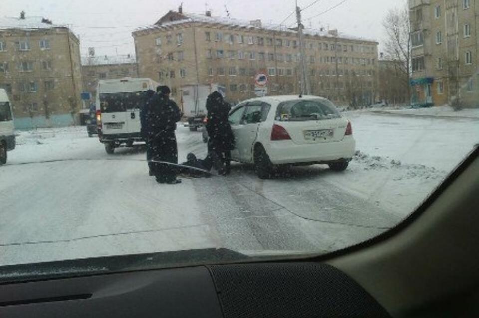 На КСК в Чите автоледи сбила молодого человека