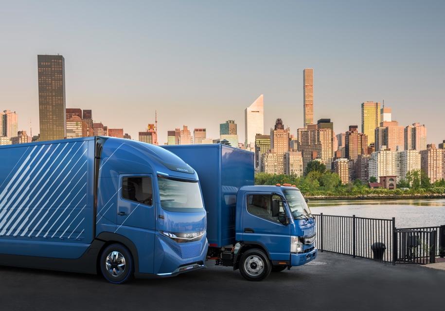 Первый тяжелый электрогрузовик Daimler E-FUSO Vision One показали в Токио