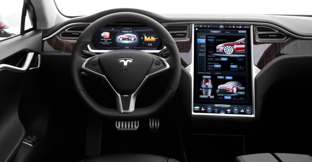Названы лучшие автомобильные мультимедийные комплексы
