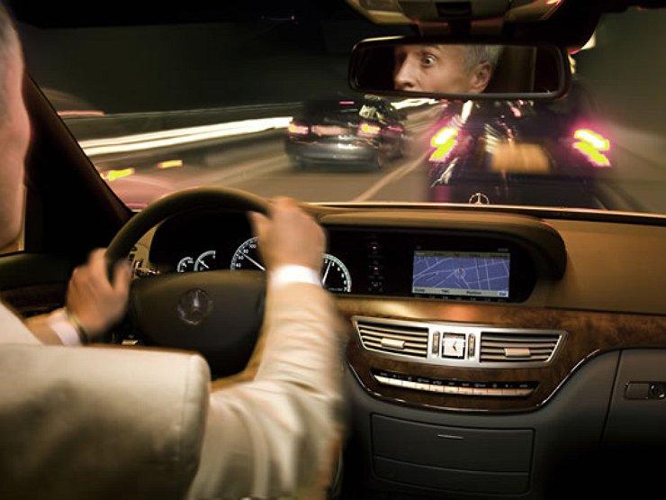 Водителям-новичкам могут запретить управлять мощными автомобилями