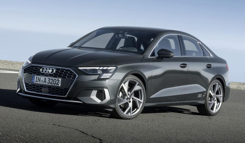 Официально представлен новый седан Audi A3