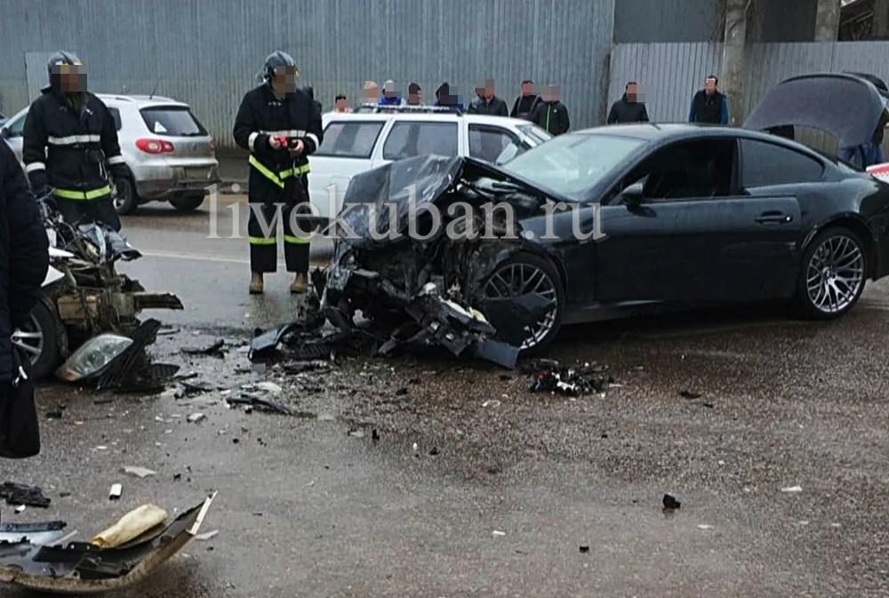 Жуткое лобовое ДТП с пострадавшими в Краснодаре попало на видео