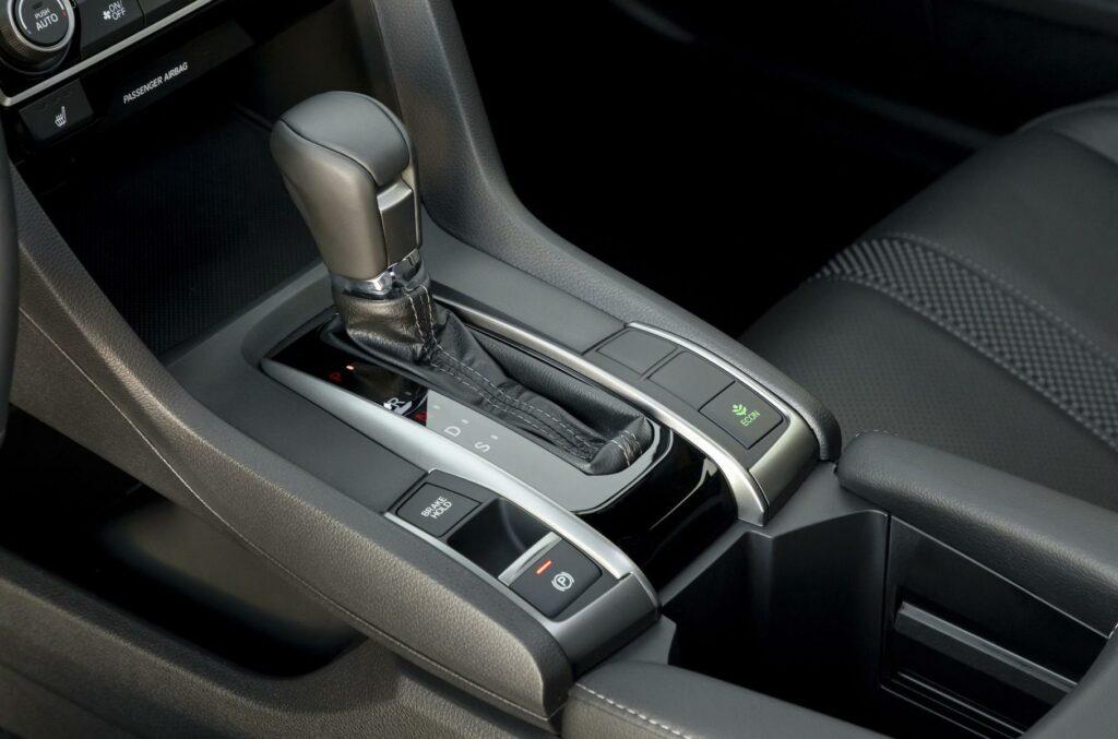 Обновлённый хэтчбек Honda Civic представлен официально
