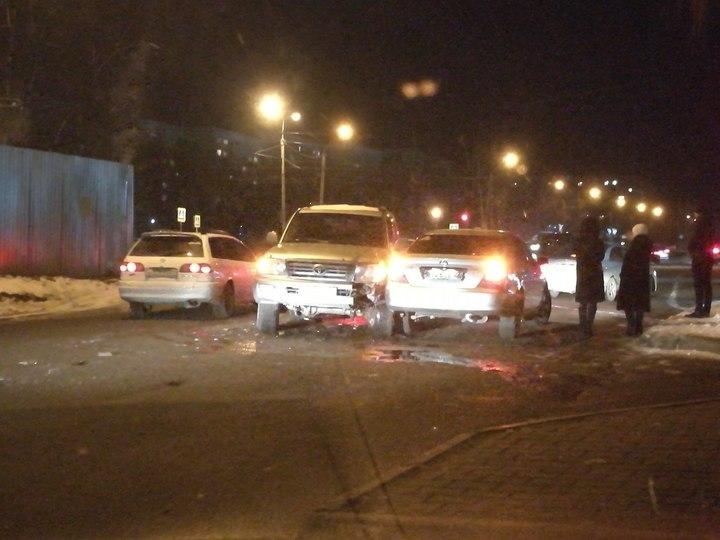 Пьяный водитель внедорожника Toyota спровоцировал ДТП в Барнауле