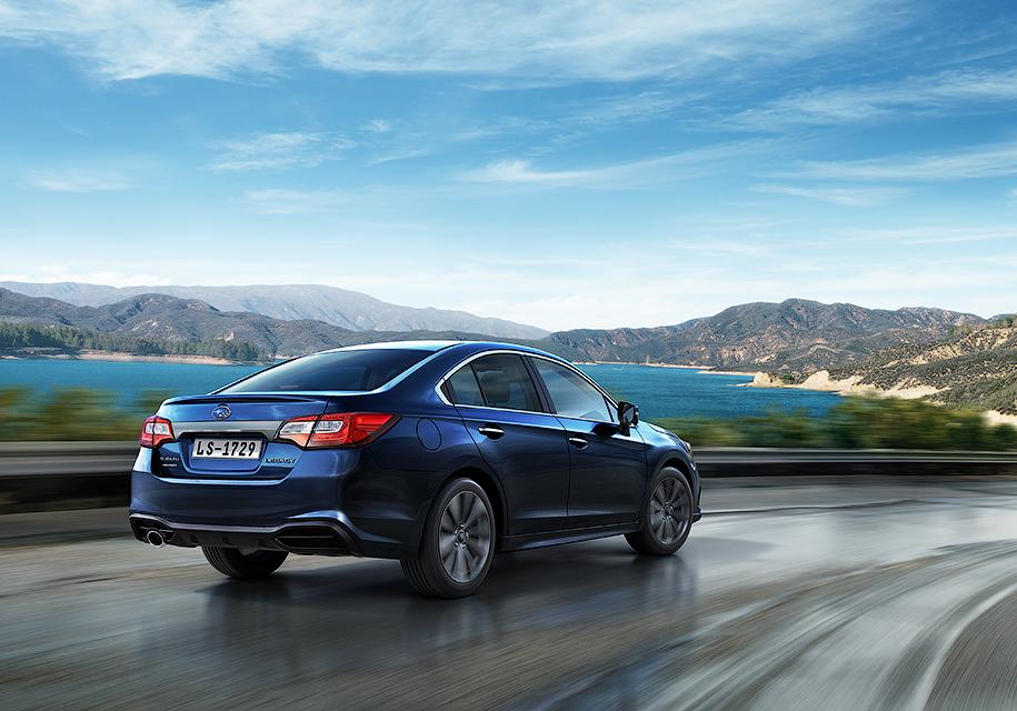 Subaru назвала российские цены на седан Subaru Legacy