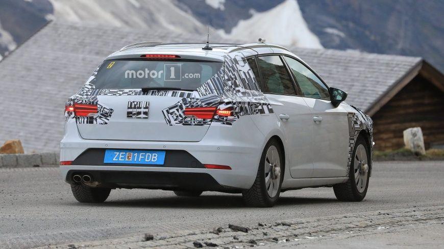 Фотошпионы заметили обновленный SEAT Leon во время дорожных тестов