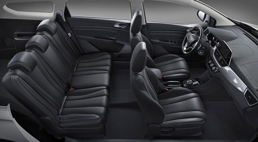 General Motors представила обновленный универсал Baojun 310 Wagon