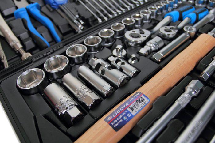 Какие инструменты обязательно понадобятся для ремонта автомобиля?