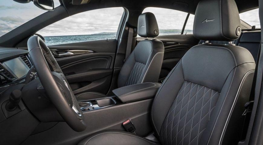 Седан Buick Regal получил новую роскошную версию Regal Avenir